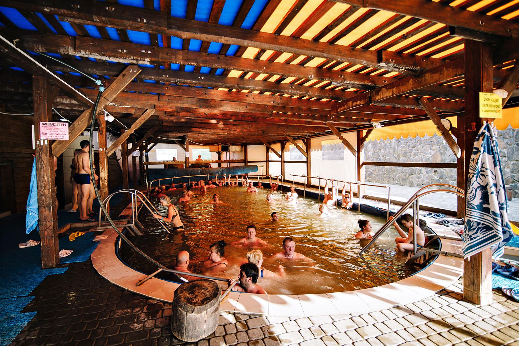 Теплі води Термальний басейн фото-02
