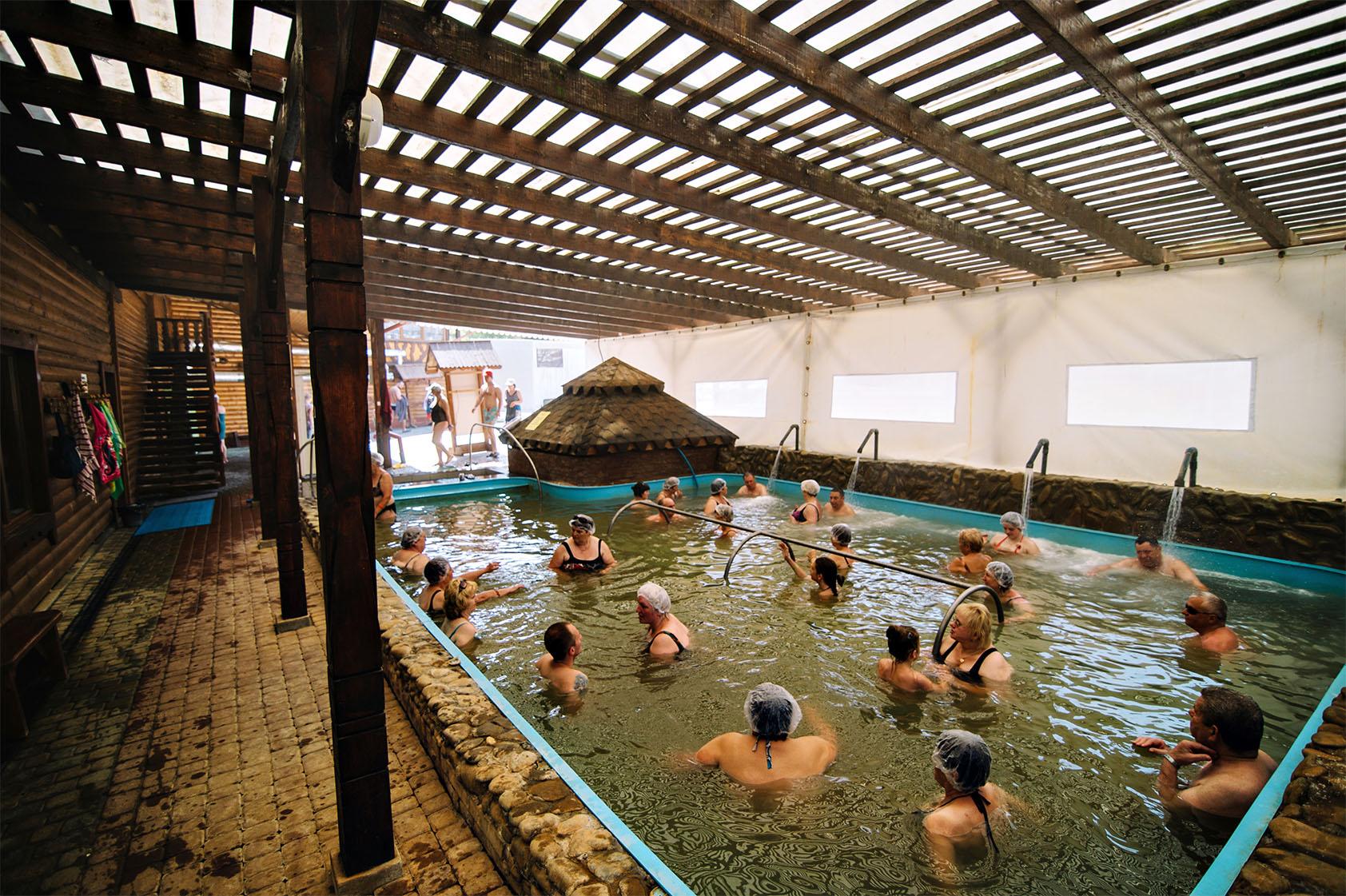 Теплі води Термальний басейн фото-01